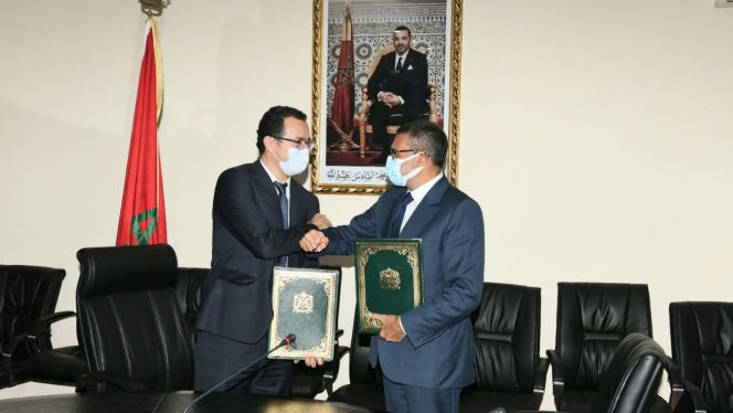 وزارة الثقافة توقع شراكة مع SNRT للتعاون في مجال المنتوج المسرحي